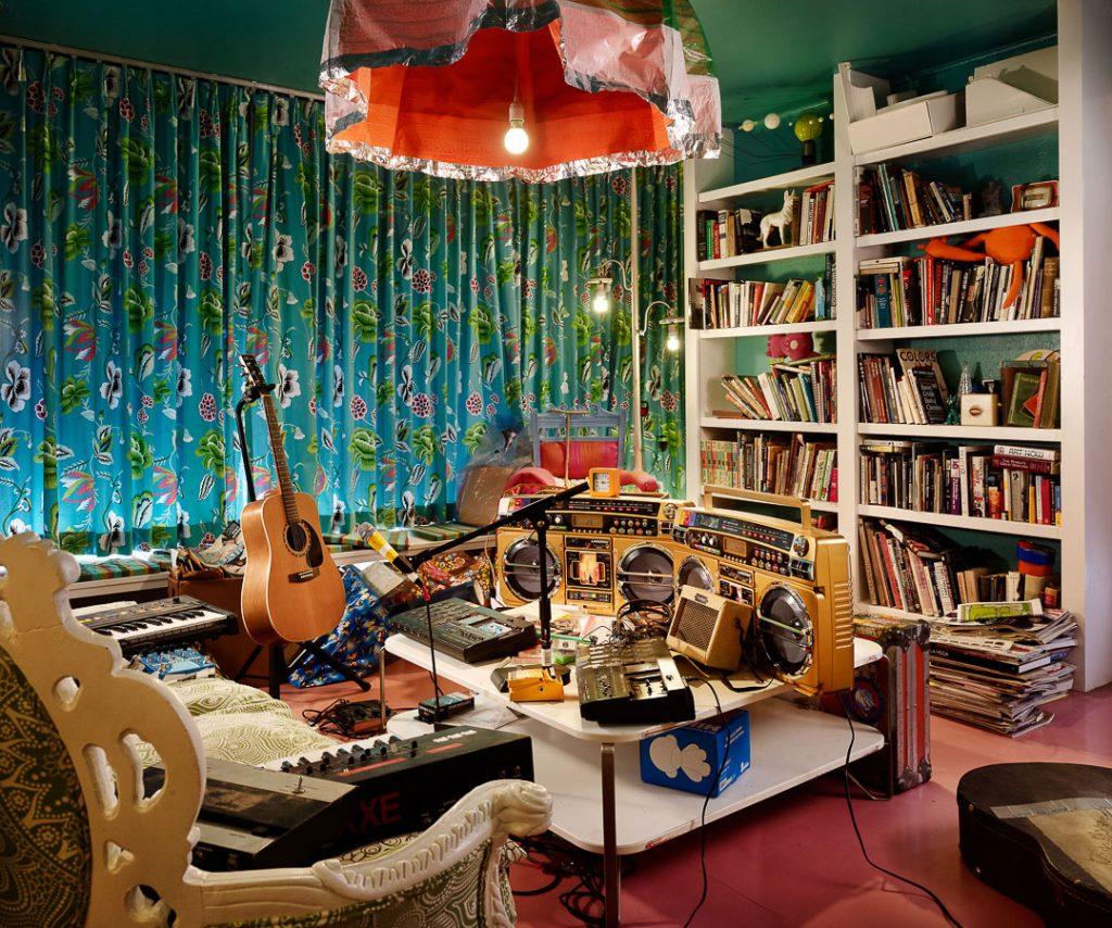 1 Room Studios